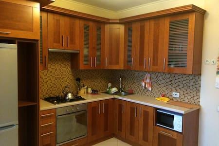 Уютная, просторная квартира для жизни и отдыха! - Vyshhorod - Daire