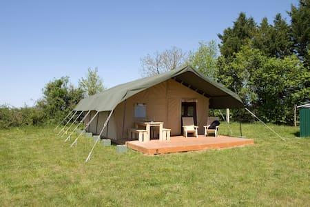 Safaritent, prive sanitair, Larreule/Maubourguet - Larreule - Палатка