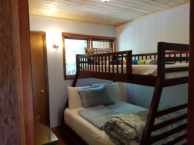 2nd bedroom - 2nd Floor - Bunk Bed (double and single on a top) at CANAM LAKE HOUSE