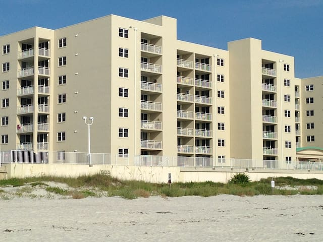 Beachfront Condo - Ponce Inlet - Apartment