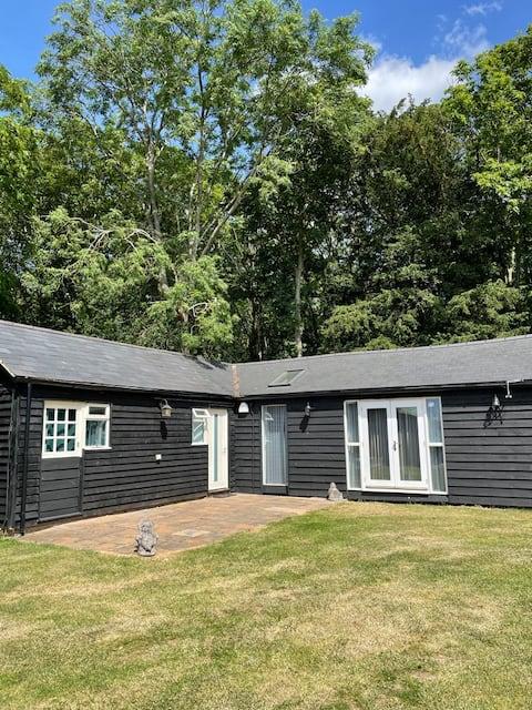 Twitchers Lodge - close to RSPB nature reserve