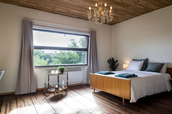 Charming & luminous room near Leuven city center