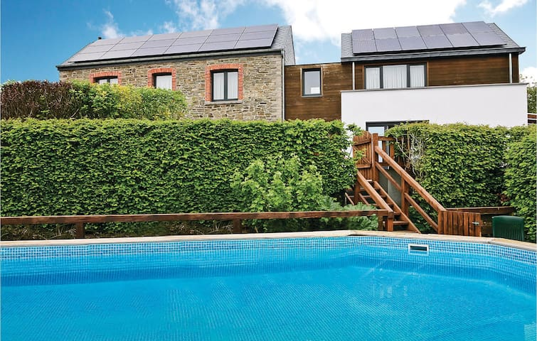 Holiday cottage with 2 bedrooms on 150m² in Compogne-Bertogne