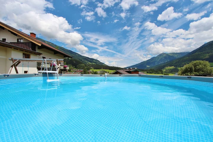 Spacious Apartment in Neukirchen am Großvenediger with Pool