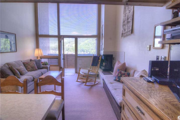 Classic Vail Condo with Grand Mountain View, Loft | Homestake A306