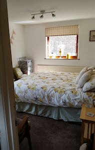 Self contained ground floor annexe. - Worlingham, Beccles