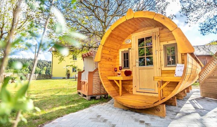 Bartlhof-Ferienwohnungen-Zimmer (Burglengenfeld), Schlaffass, Campingfass am Bartlhof Mossendorf direkt am Wasser