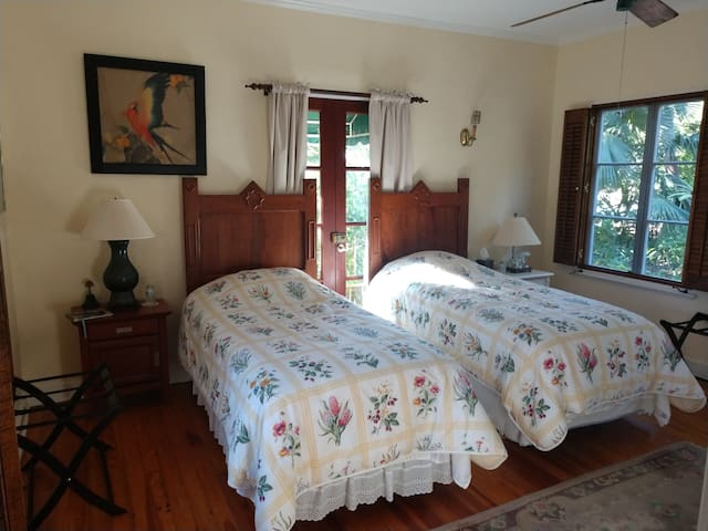Guest bedroom set up with twin beds
