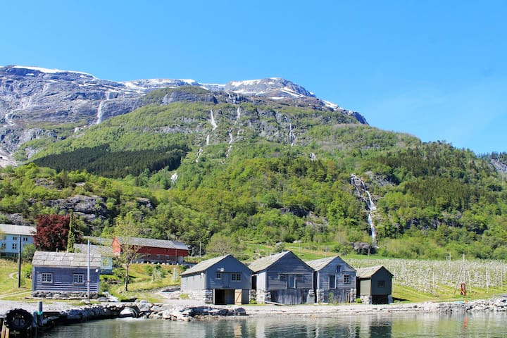 Fishing hut in Nå for 6 persons