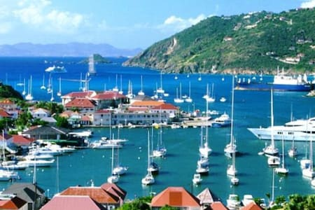 Studio with private bathroom in beautiful house - Gustavia