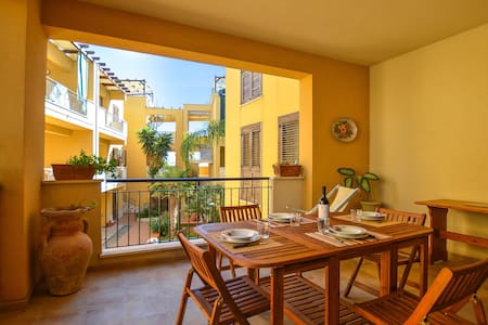 Holiday apartment with 2 bedrooms on 100m² in Marinella