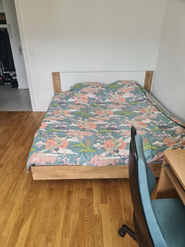 Chambre à louer disponible que pour la nuit