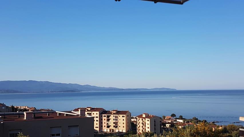 T2 Ajaccio vue mer panoramique