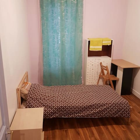Cozy & private room near Paris(15') - Fontenay-sous-Bois - Departamento