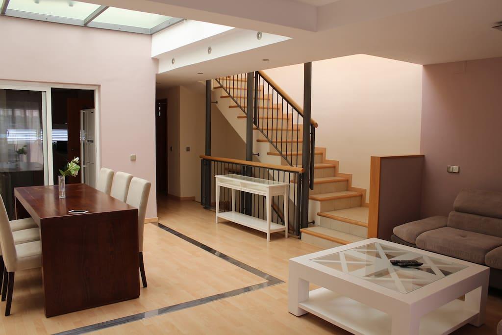 4 bedroom house living room