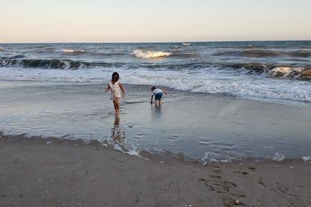 Ocean Efficiency on Beach-Sleeps 4 (Sep 13-20-A6)