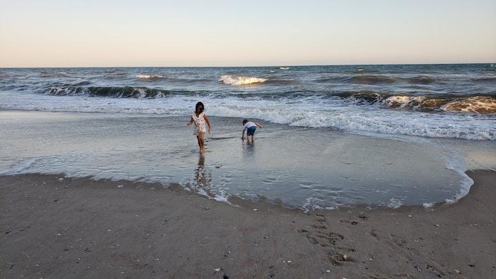 Ocean Efficiency on Beach-Sleeps 4 (May 16-22-B12)