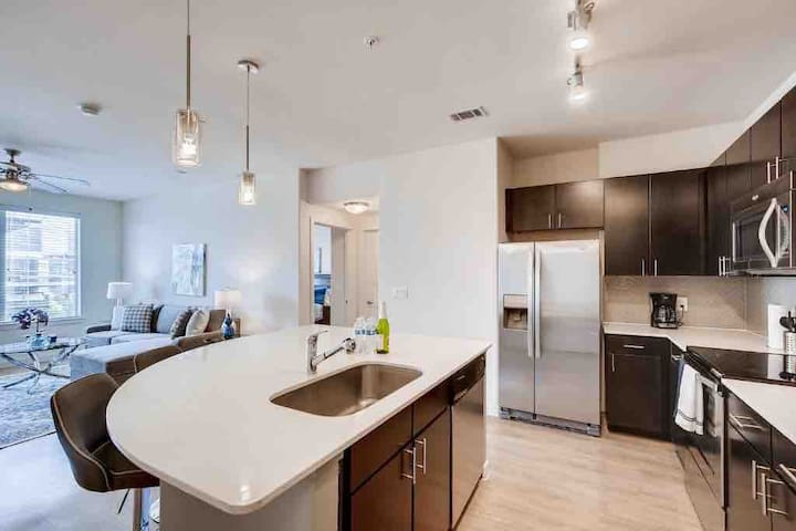 AU39-Downtown Austin Elite Community 2BD/2BA
