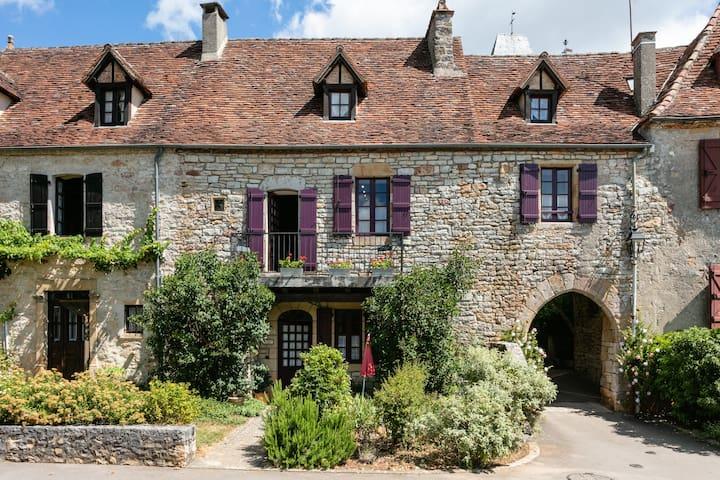 La Maison D'Arche - Loubressac, Dordogne France