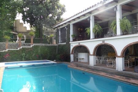 Classical home in Ciernavaca - Cuernavaca - House