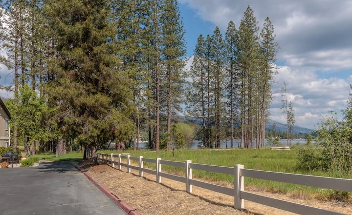 Spacious Getaway - 4 bdrm by Yosemite & Bass Lake