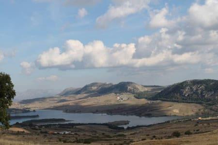casa vacanze for mountains walks beautful views - Apartemen