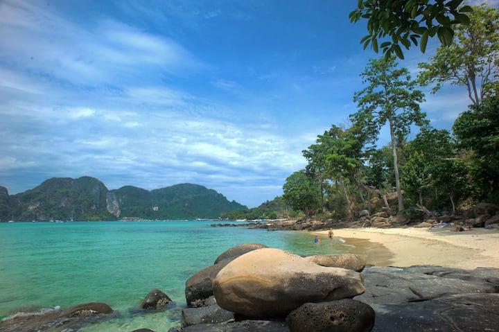 Amazing Triple on Phi Phi Islands!