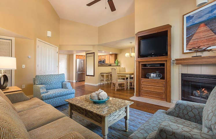 4th of July in Tahoe!!! 2 Bd Presidential suite - Zephyr Cove-Round Hill Village - Apartament