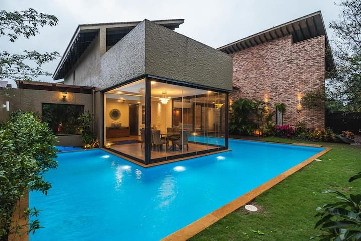 Villa Urbana - Luxurious villa with private pool