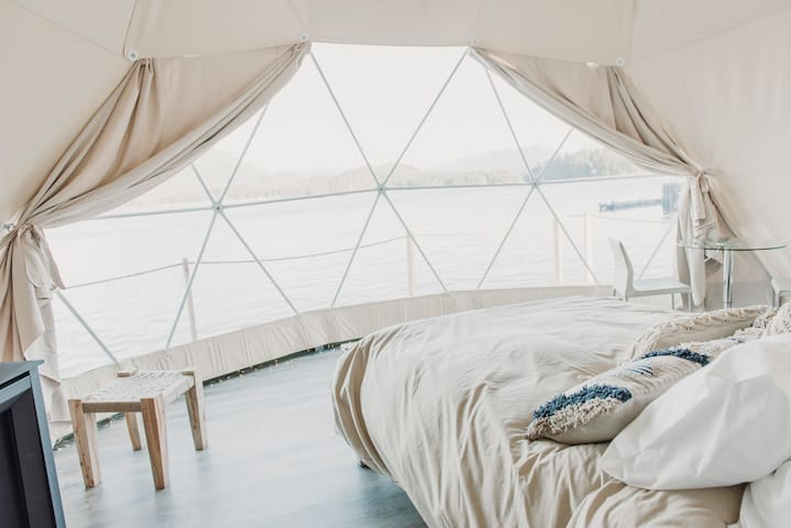 WILDPOD Luxury Glamping: SAND Dome