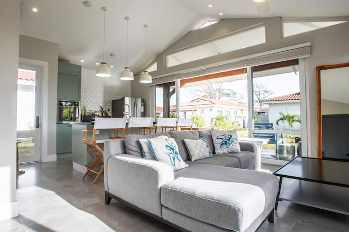 2BR Luxury Walk-to-Beach Cozy Getaway Venao Villa