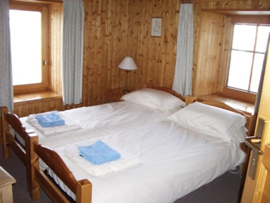 One of the 6 twinbedrooms