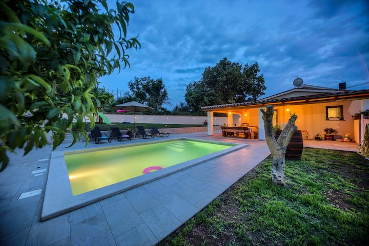 Villa G with pool