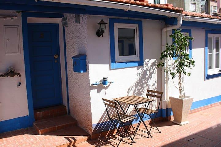 Lisbon Cute Studio & Sunny Terrace