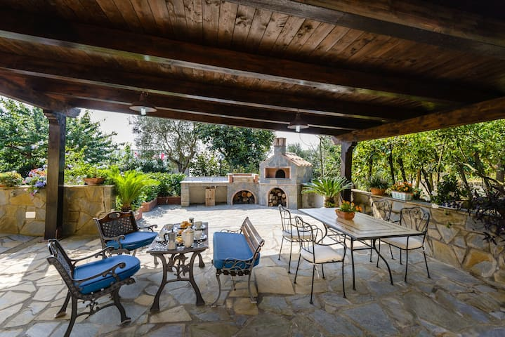 APT GLORIA -  with outdoor patio in Sorrento Coast