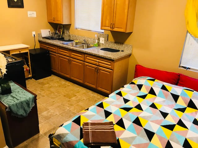 4.4 Small studio-room with full kitchen