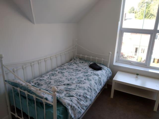Big room in Sneinton, Nottingham,