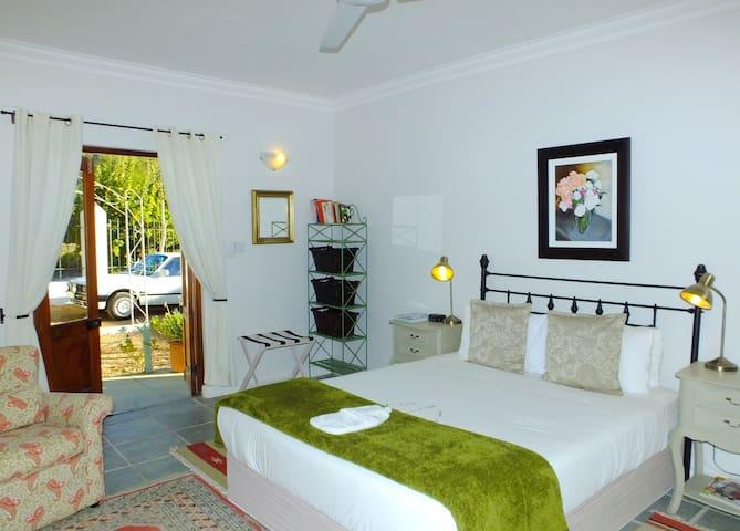 Gooding's Groves B&B - EAST ONE - 弗朗斯胡克(Franschhoek) - 家庭式旅館