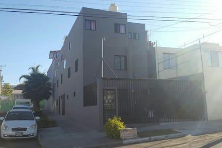 Depto PB 2cuartos. plaza del sol, iteso, uvm,univa - Zapopan - Apartment