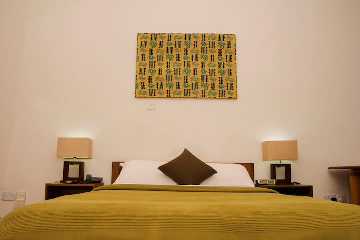 Cozy En-Suite Room in Modern Estate Ikoyi