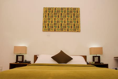 Cozy private room in modern estate Ikoyi