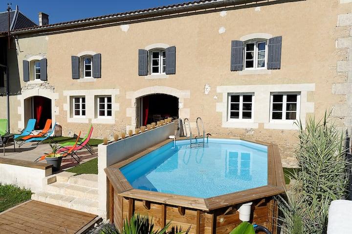 Villa de 5 chambres à Voissay, avec piscine privée, jardin clos et WiFi - à 40 km de la plage