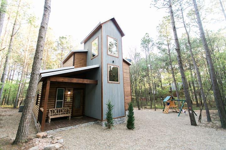 Fireside Creek Luxury Cabin