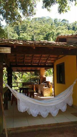Aconchegante chalé na Serra do Matoso.