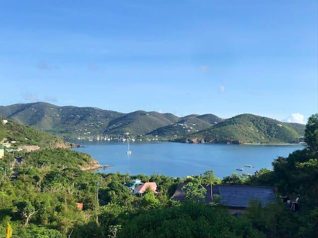 Pura Vida Coral Bay - the serene and quiet side!