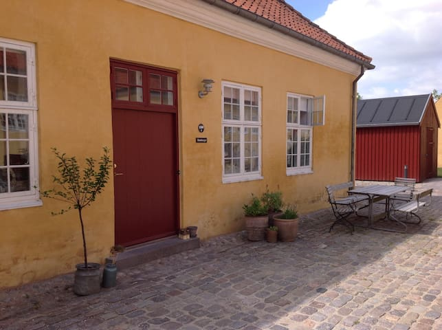 Charm (from 1743) - modernized - Near Copenhagen - Gentofte - Casa