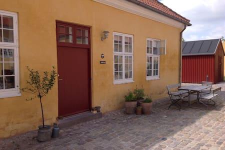 Charm (from 1743) - modernized - Near Copenhagen - Gentofte