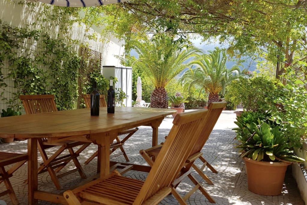 Alghero Villa Valalla con giardino pressi spiaggia