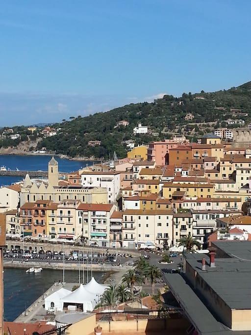 Un mare di blu appartamenti in affitto a porto santo for Appartamenti porto santo stefano