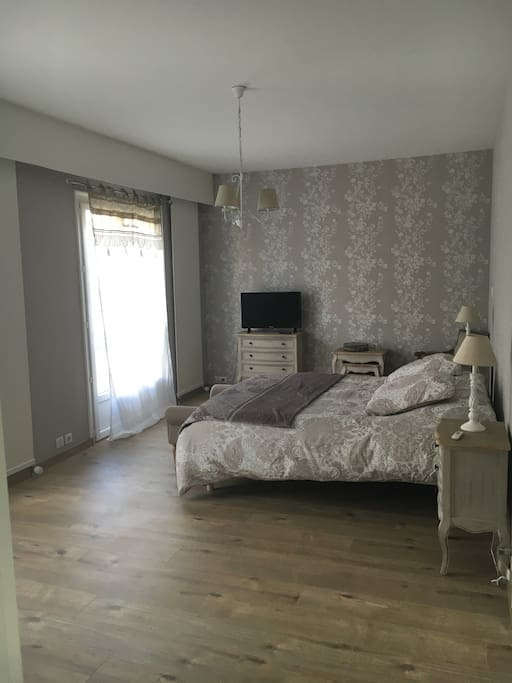 belle chambre d 39 h tes pour deux personnes guesthouses for rent in cholet pays de la loire france. Black Bedroom Furniture Sets. Home Design Ideas